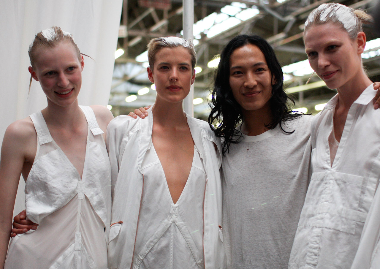 wpid-alexander-wang-backstage-with-models-by-betty-sze-2011-06-4-14-26.jpg