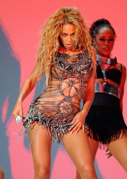 wpid-beyonce-billboard-music-awards-05232011-07-430x606-2011-10-25-05-56.jpg