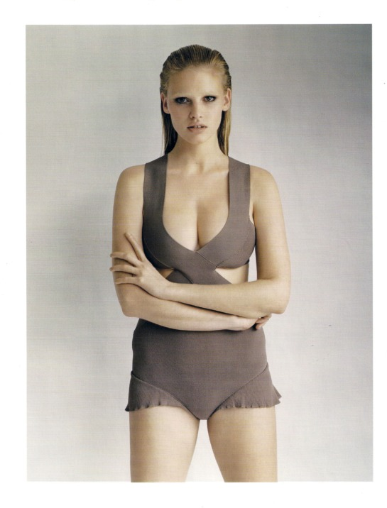 Lara-Stone-Vogue-UK