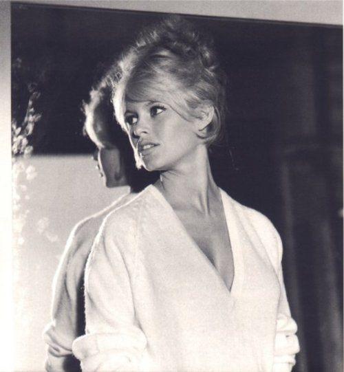 brigitte bardot classic up do - blonde ambition