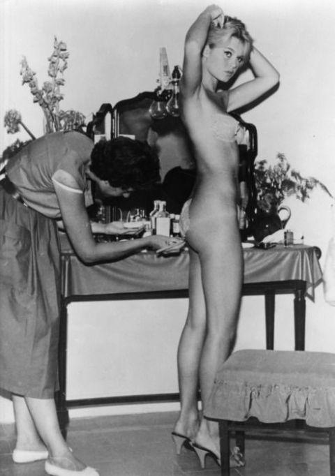 brigitte_bardot7 - fitting - naked
