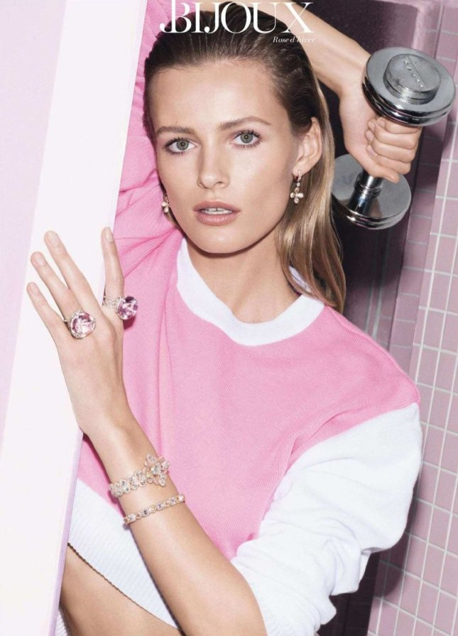 Edita Vilkeviciute  - sporty pink - vogue - fashion editorial -2
